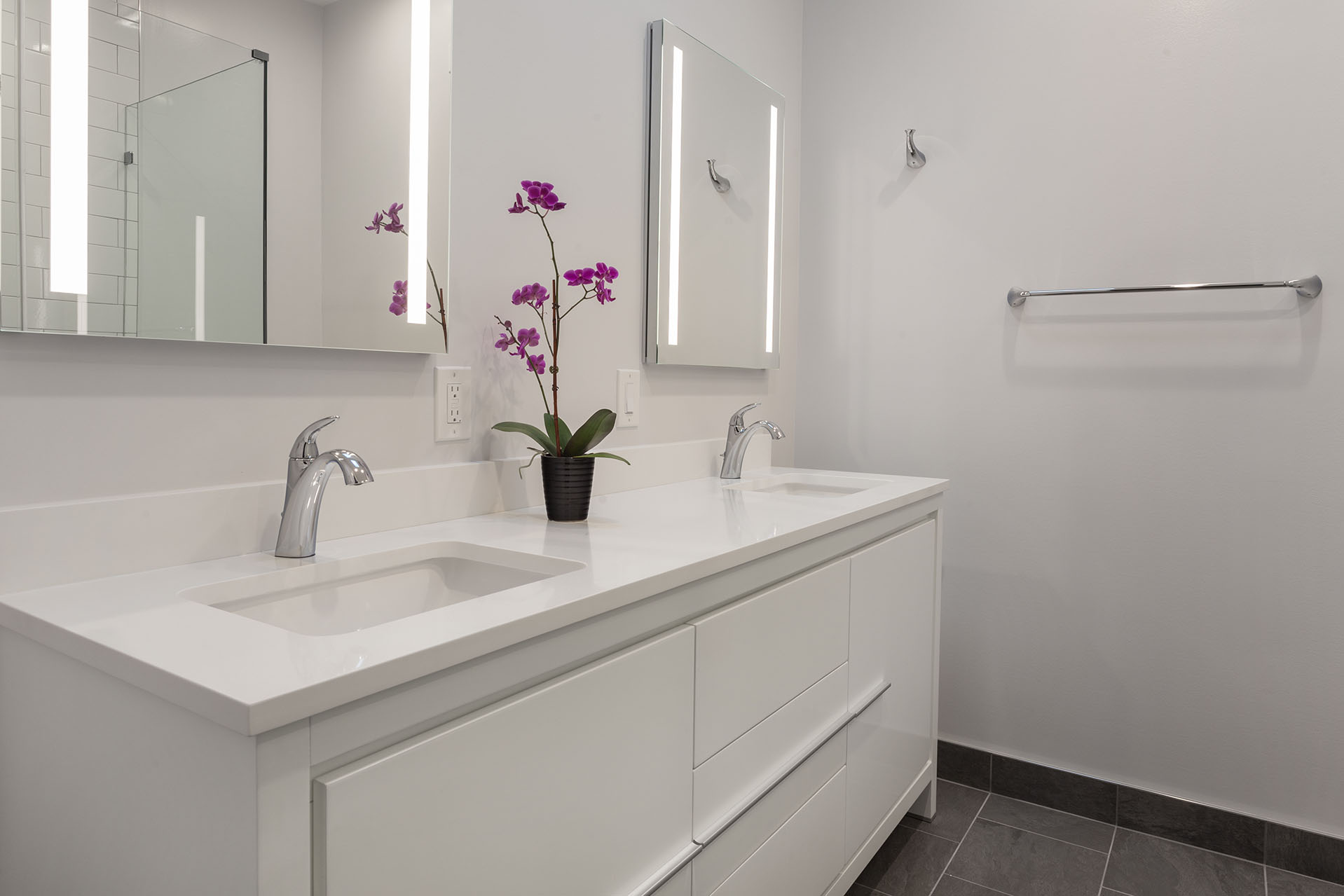 Modern bathroom remodeling in old town alexandria va - Bathroom remodeling alexandria va ...